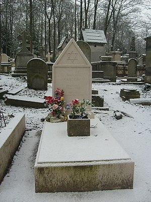 Français : Tombe de Marcel Marceau au cimetièr...