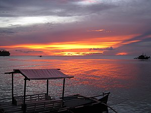 English: Sunset from Paras Beach Resort in Cam...