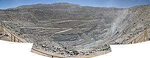English: Panorama of Chuquicamata copper mine,...