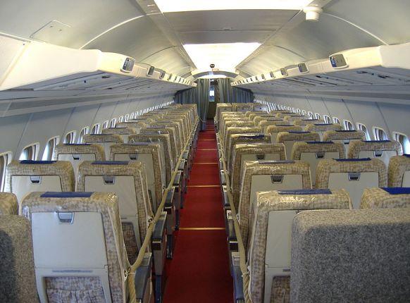 Archivo: Interior de Convair 990 operado por Swissair.jpg