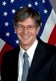 https://i2.wp.com/upload.wikimedia.org/wikipedia/commons/thumb/2/2a/Jim_Steinberg.jpg/225px-Jim_Steinberg.jpg
