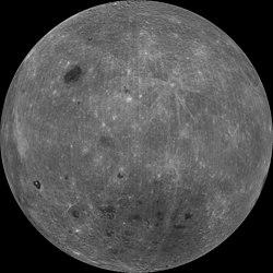 Essa é a imagem da outra face da lua, a que nós não conseguimos ver.