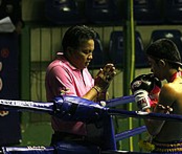 Praying Before The Match The History Of Muay Thai