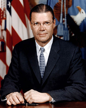 Official portrait of former United States Secr...