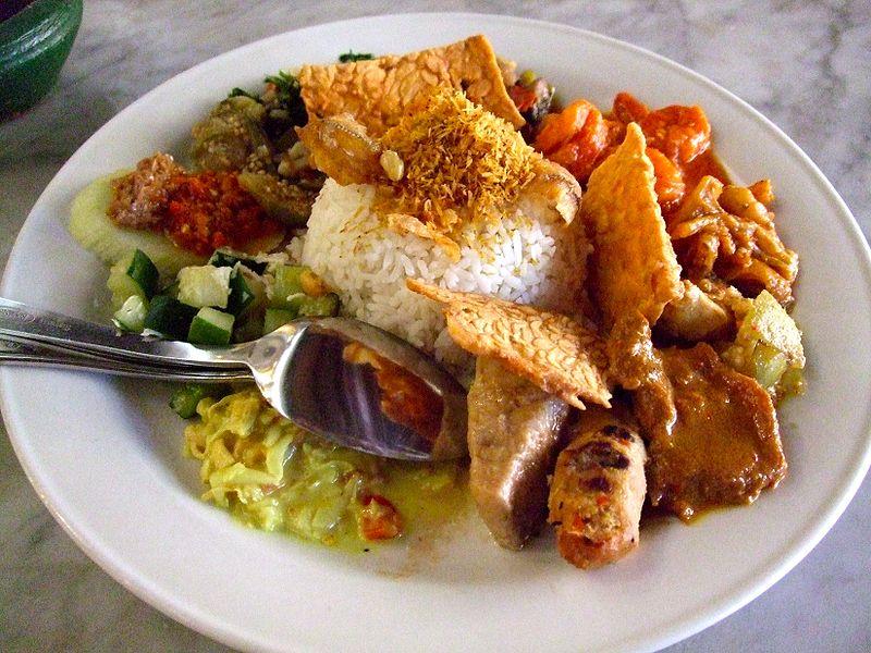 Berkas:Made's Warung Nasi Campur.jpg