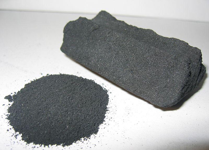 https://i2.wp.com/upload.wikimedia.org/wikipedia/commons/thumb/2/2d/Activated_Carbon.jpg/800px-Activated_Carbon.jpg?w=1540&ssl=1