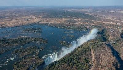 File:Cataratas Victoria, Zambia-Zimbabue, 2018-07-27, DD ...
