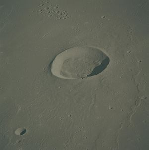 English: This picture of Gruithuisen crater wa...