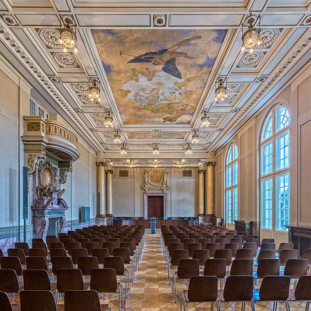 Datei:Kammergericht, Berlin-Schöneberg, Plenarsaal, 160809