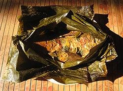 Pepes ikan emas (pais lauk mas) Sunda.jpg
