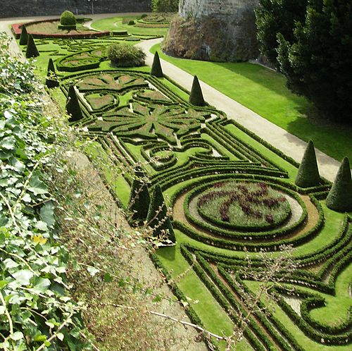 Douves jardins Angers