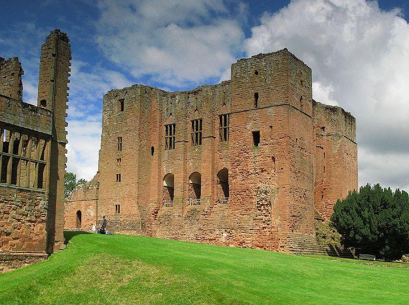 File:Kenilworth Castle keep, 2008.jpg