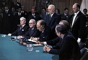 Paris peace talks Vietnam peace agreement signing