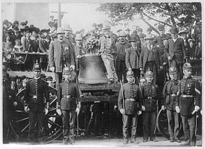 English: The Liberty Bell on its 1903 visit to...