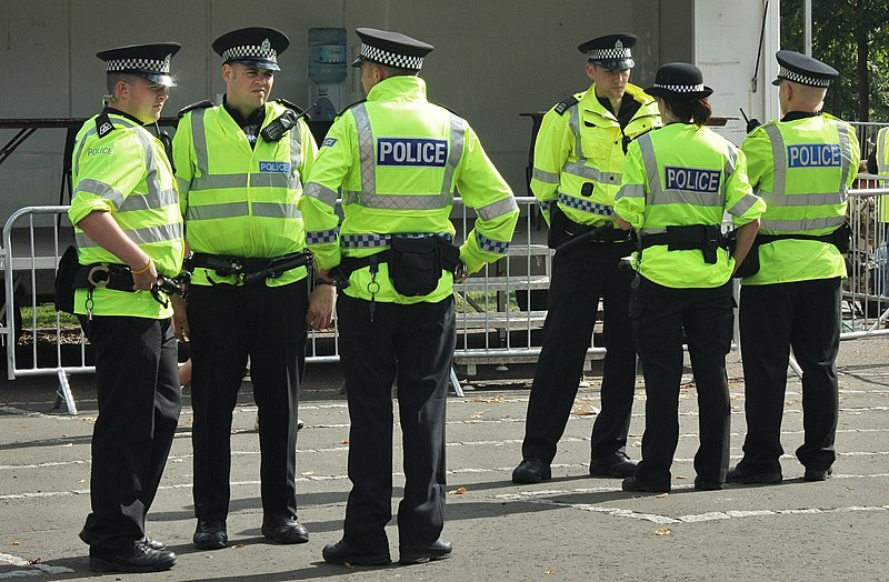 File:Police in Glasgow.jpg