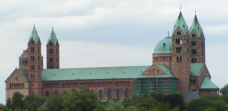 bryła katedry w Spirze