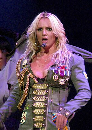 Performing Womanizer