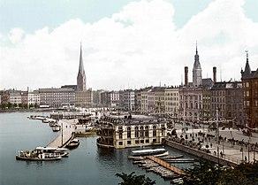 Hamburg adalah kota terbesar kedua Jerman (foto ini memperlihatkan pusat Hamburg sebelum perang dunia I)