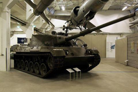 File:Leopard Dresden.jpg