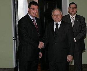 Polski: Mihai Razvan Ungureanu, minister spraw...