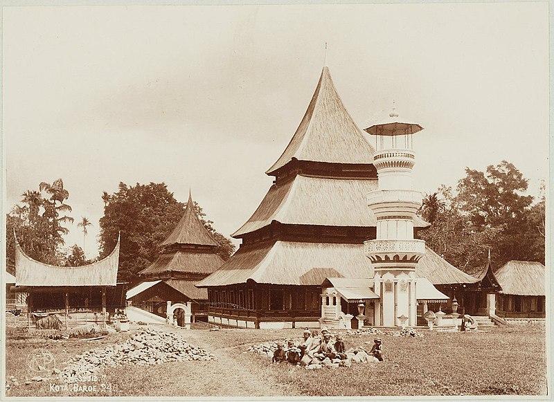 File:Minangkabau mosque.jpg