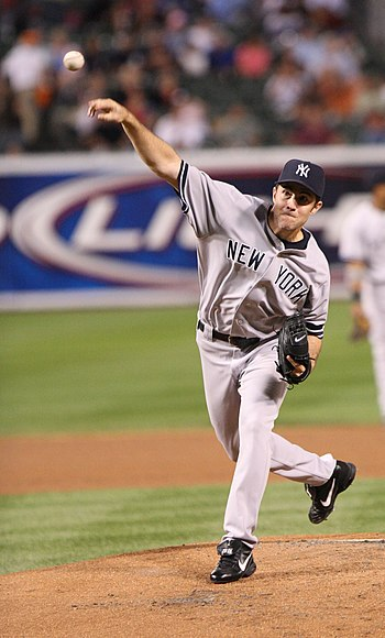English: Mike Mussina