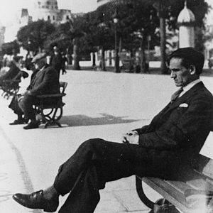 Español: El poeta César Vallejo en Niza - 1929