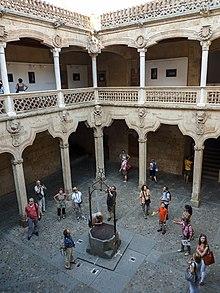 Casa De Las Conchas Salamanca Wikipedia La