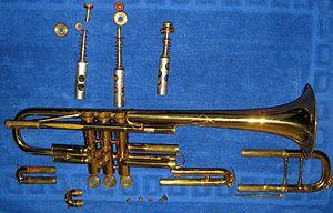 English: Bb trumpet disassembled. Svenska: Bb ...