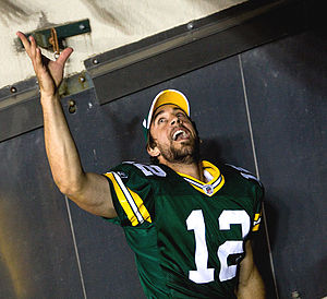 Green Bay Packers starting quarterback Aaron R...