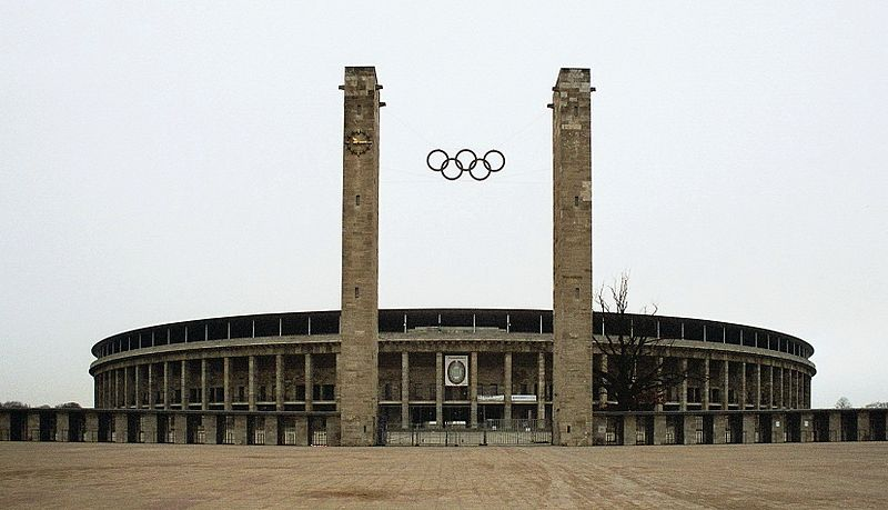 File:Berlin Olympiastadion Main Entrance Olympic Rings dec 2004b.jpg