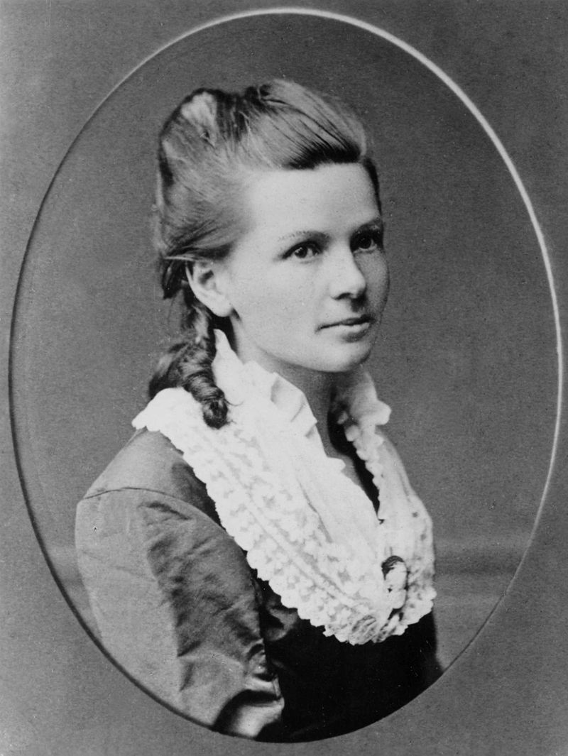 Bertha Benz, wife of Karl Benz - The First Female Driver