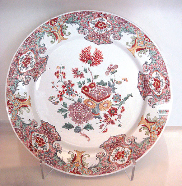 File:Delft plate faience Famille Rose 1760 1780.jpg