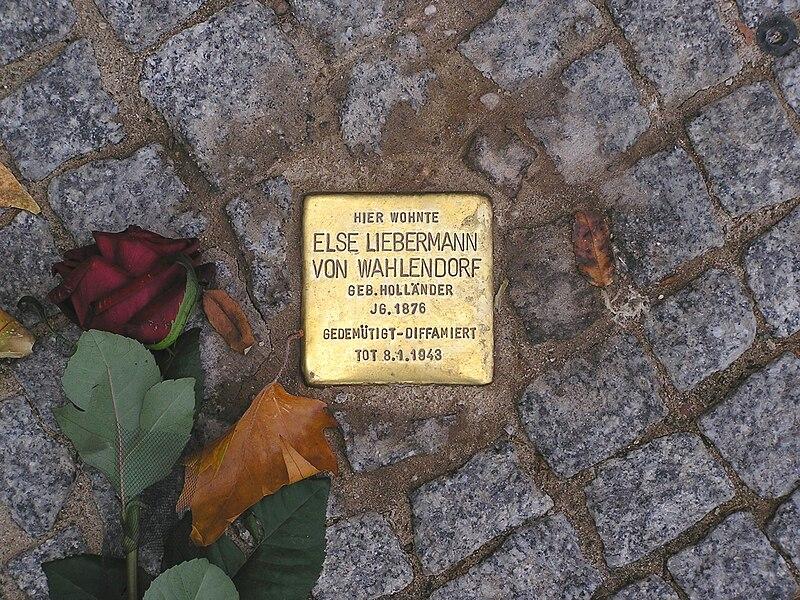 Datei:Stolperstein Else Liebermann von Wahlendorf Berlin Budapester Strasse.jpg