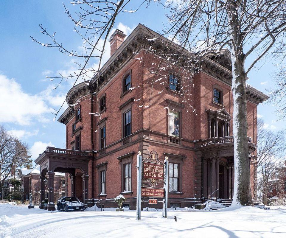 Lippitt House Museum in snow 2017