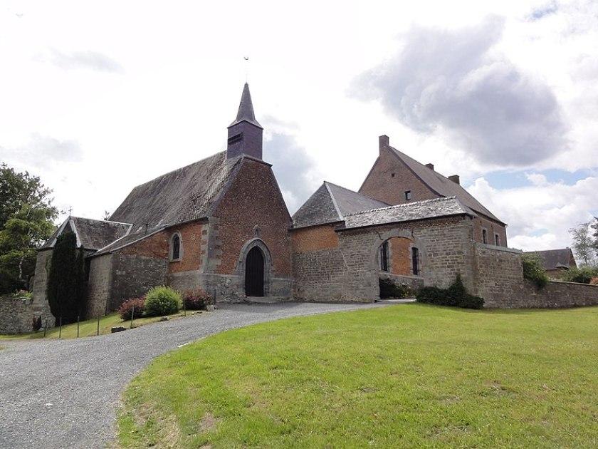 Fichier:Moustier-en-Fagne (Nord, Fr) église et monastère.jpg