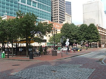 English: Market Square in Downtown Pittsburgh,...