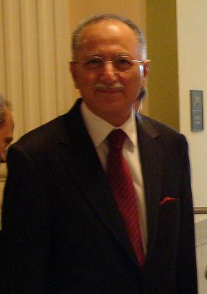 Portrait of Ekmeleddin İhsanoğlu, Secretary-Ge...