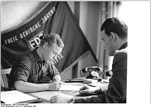 Bundesarchiv Bild 183-86388-0001, Berlin, Maue...
