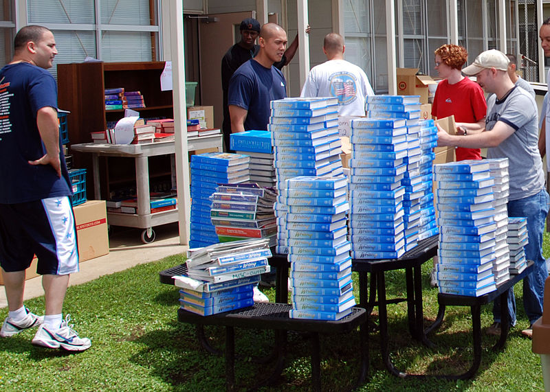 File:US Navy 080624-N-0048B-001 Nearly 40 Naval Air Facility Sailors volunteered their time to help move Zama American Middle School from seven different buildings.jpg