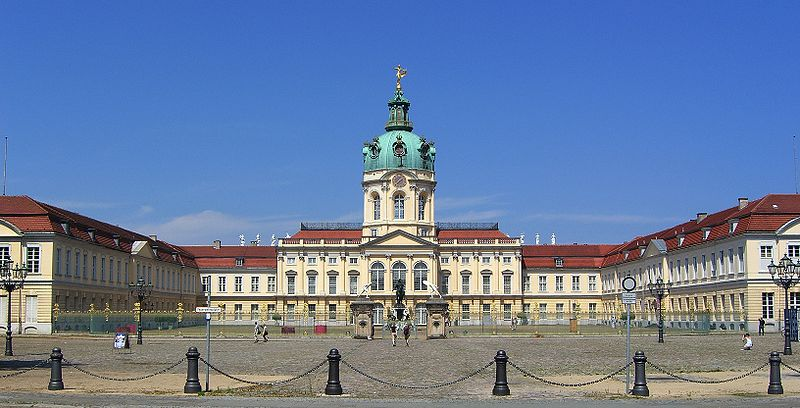 File:Schloss Charlottenburg Berlin 2007.jpg