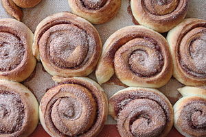 Cinnamon rolls from above.