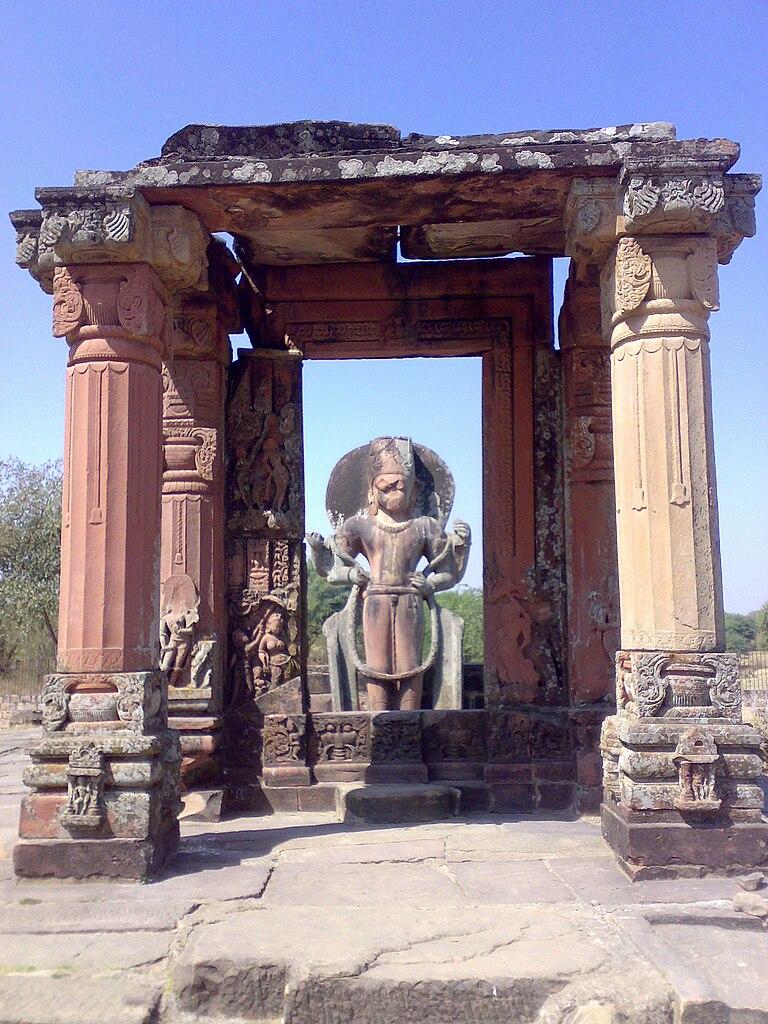 File Vishnu Temple Mandapa At Eran Madhya Pradesh Jpg