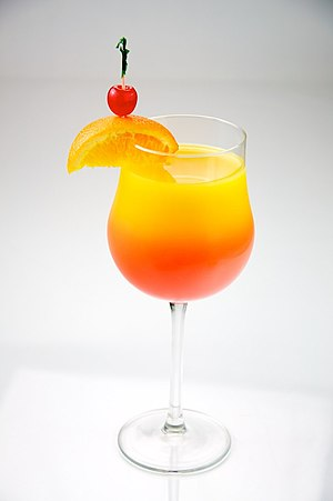 English: A glass of Tequila Sunrise