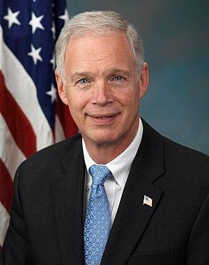 English: Official photo of Senator Ron Johnson...