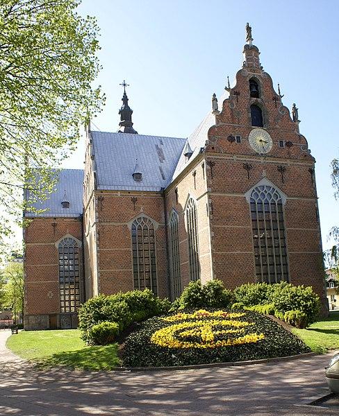 File:Trefaldighetskyrkan-Kristianstad.jpg