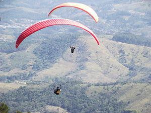 Português: Vôo de parapente / paraglide / para...