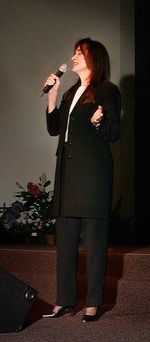 Christian singer/songwriter, Annie Herring sin...