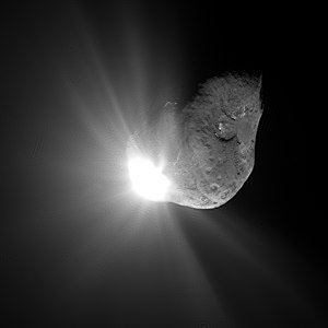 Comet Tempel 1 67 seconds after it collided wi...