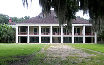 English: The Destrehan Manor House was constru...
